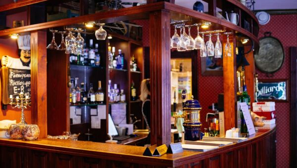 Avoir son propre bar : ce que cela implique